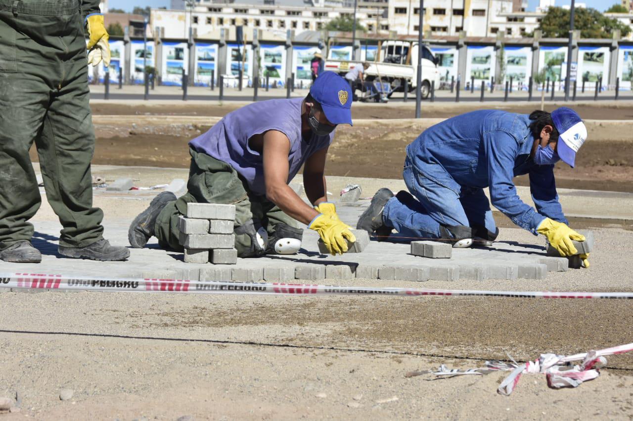 Trabajadores en Parque Jaime de Nevares