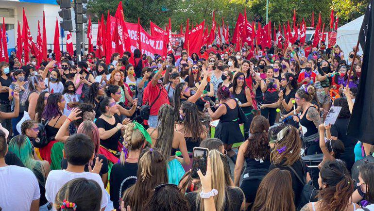 8m-dia-la-mujer-marcha-centro-neuquen